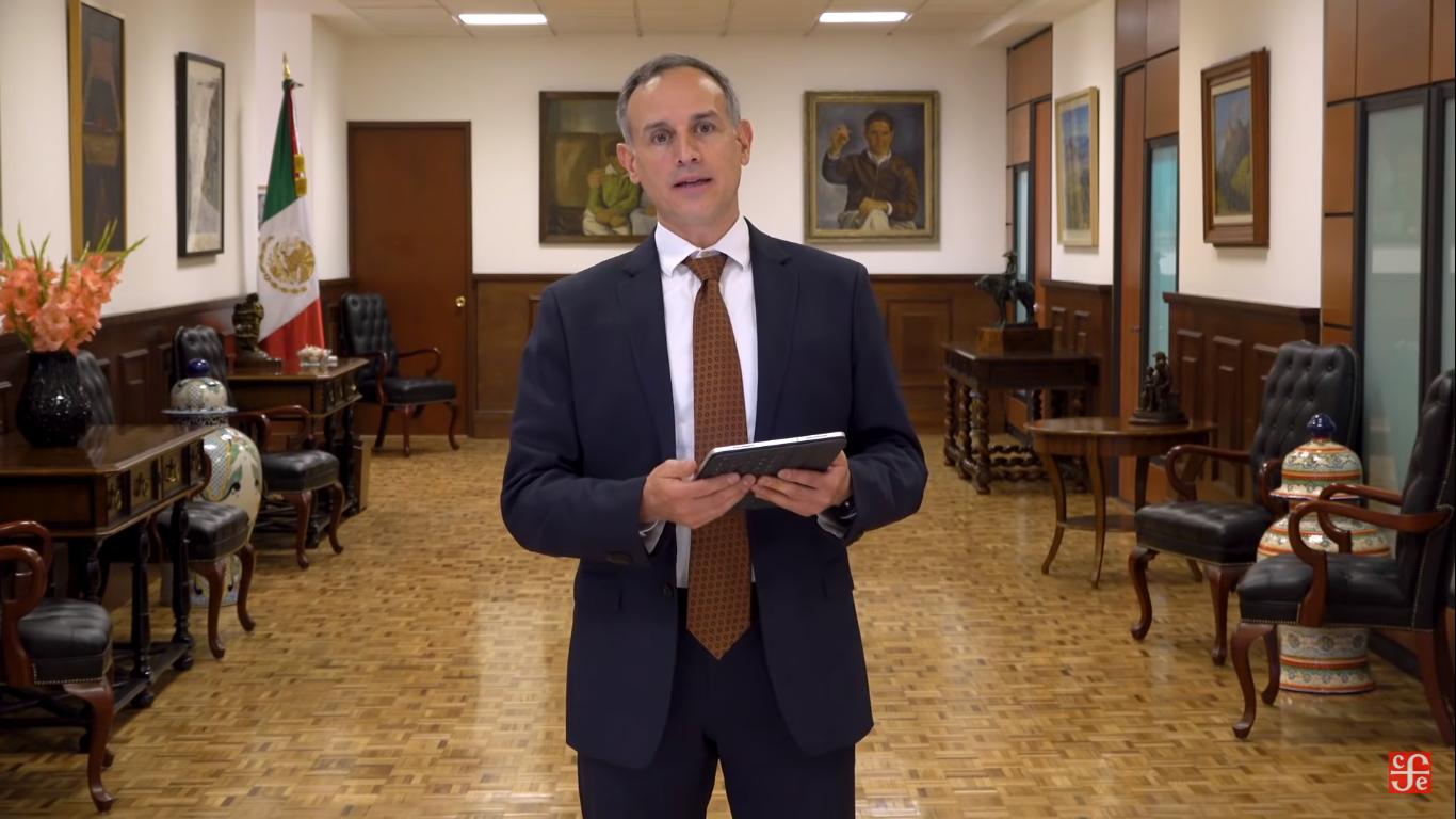 Mira al Dr. López Gatell leyendo poesía en directo 🗣📖