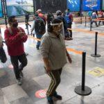 atras-covid-19-regalaran-caretas-en-el-metro