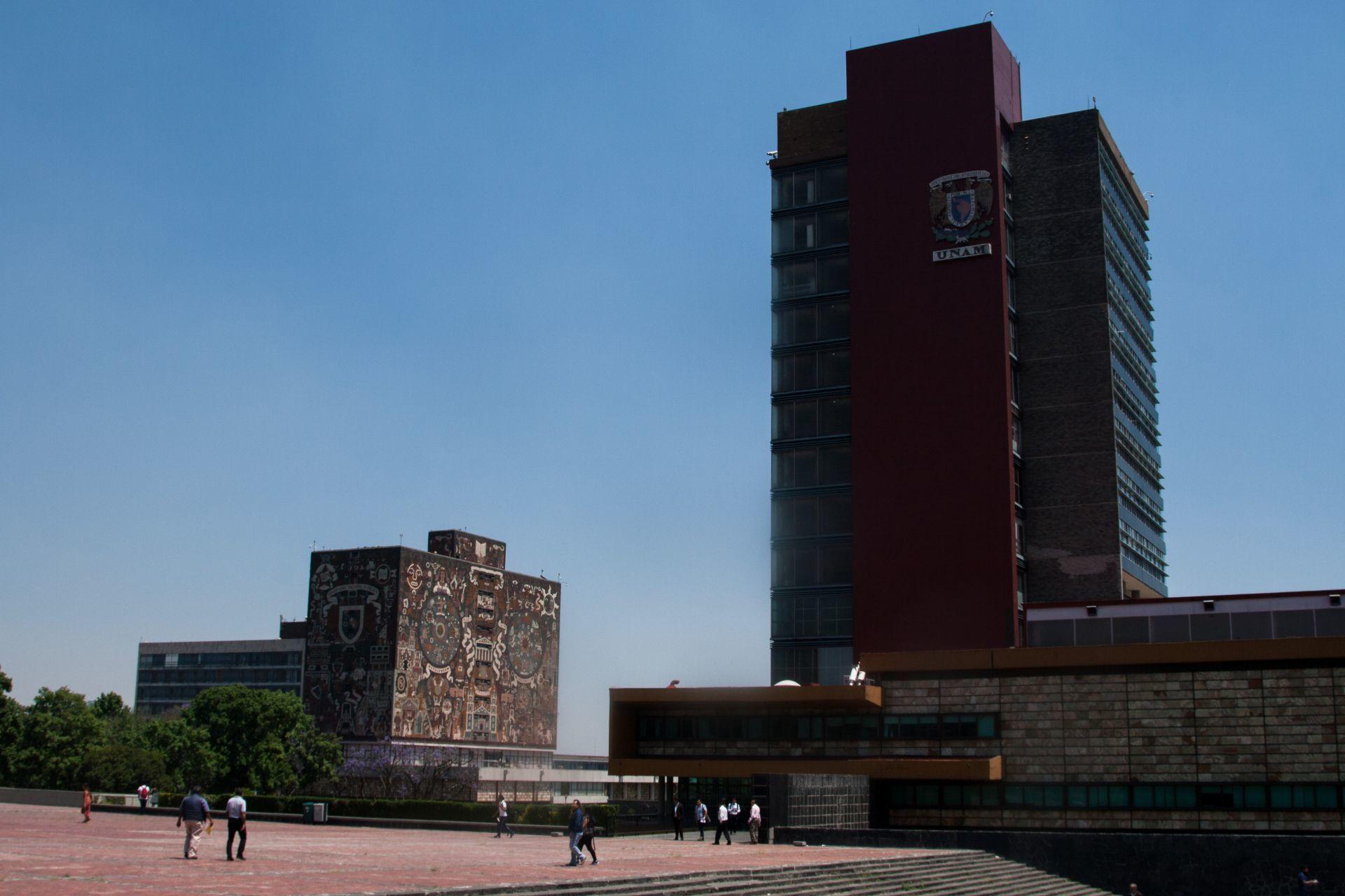 UNAM reanuda trámites de titulación en agosto