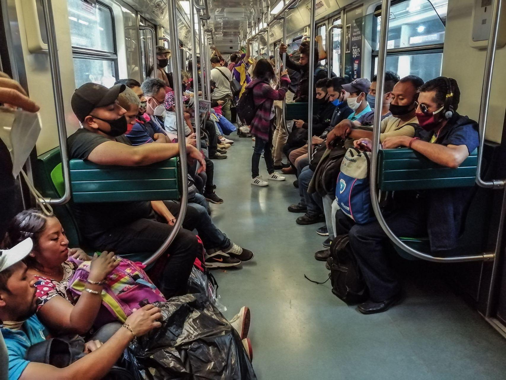 Las líneas del Metro en las que más y menos usan cubrebocas