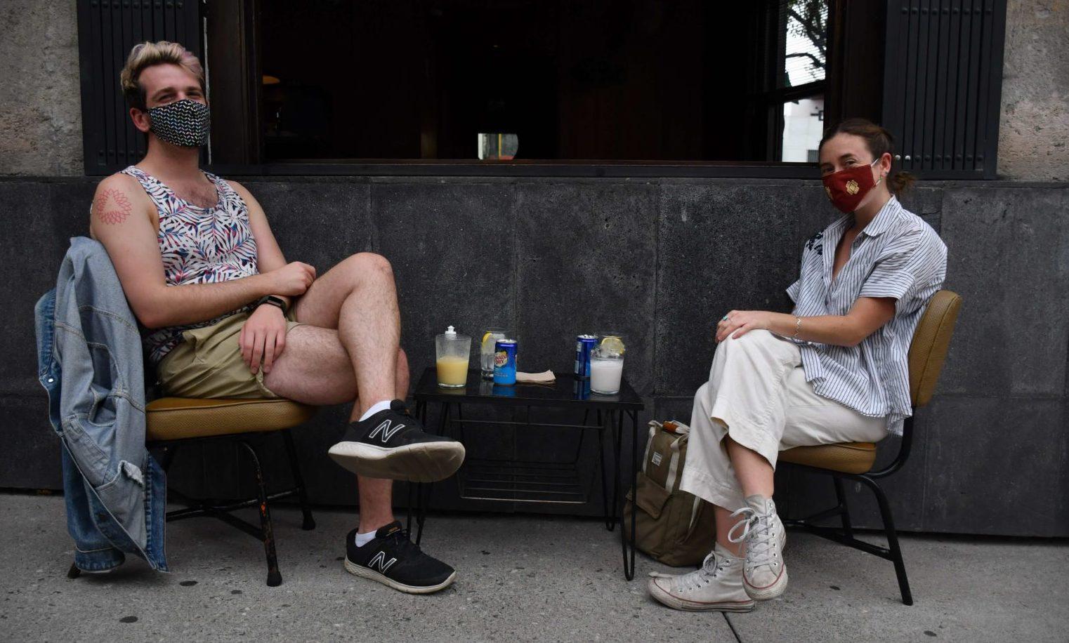21 bares reinventados como cafés y restaurantes (¡con tragos!)