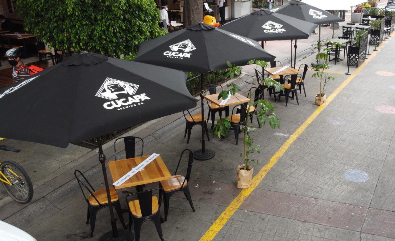 Restaurantes podrán habilitar estacionamientos como terrazas