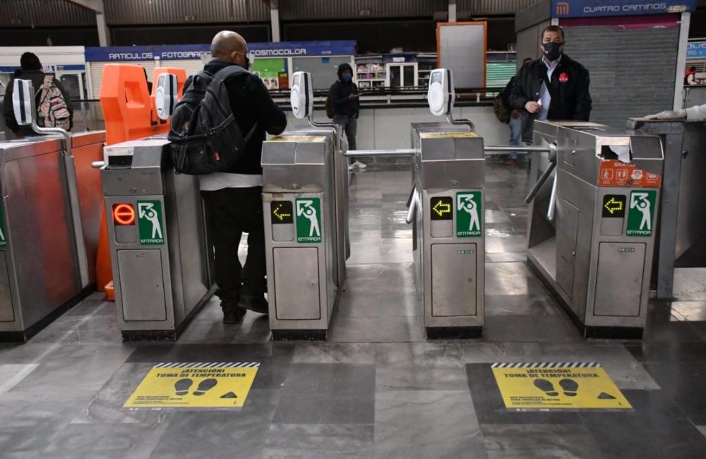 es-ilegal-entregar-productos-o-intercambiarlos-en-el-metro