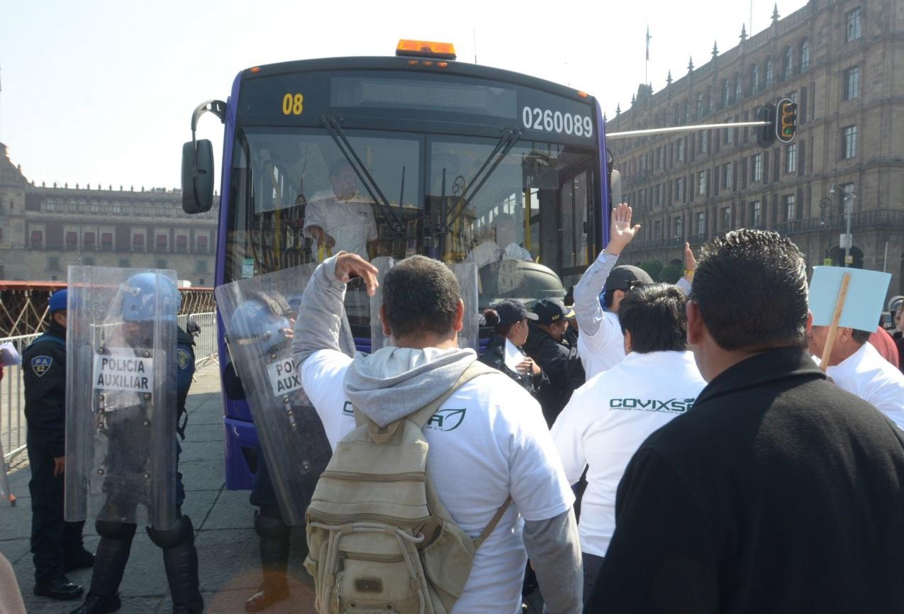 Toma precauciones: microbuseros amagan con bloqueos el jueves
