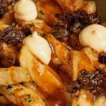 hi-fries-papitas-a-la-francesa-con-toppings-golosos-%f0%9f%8d%9f