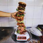 te-cabe-una-asi-de-grande-hamburguesa-de-3-kilos-%f0%9f%a4%a4%f0%9f%8d%94