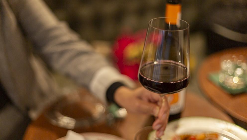 12 vinos premiados y baratos a domicilio, Â¡para celebrar!