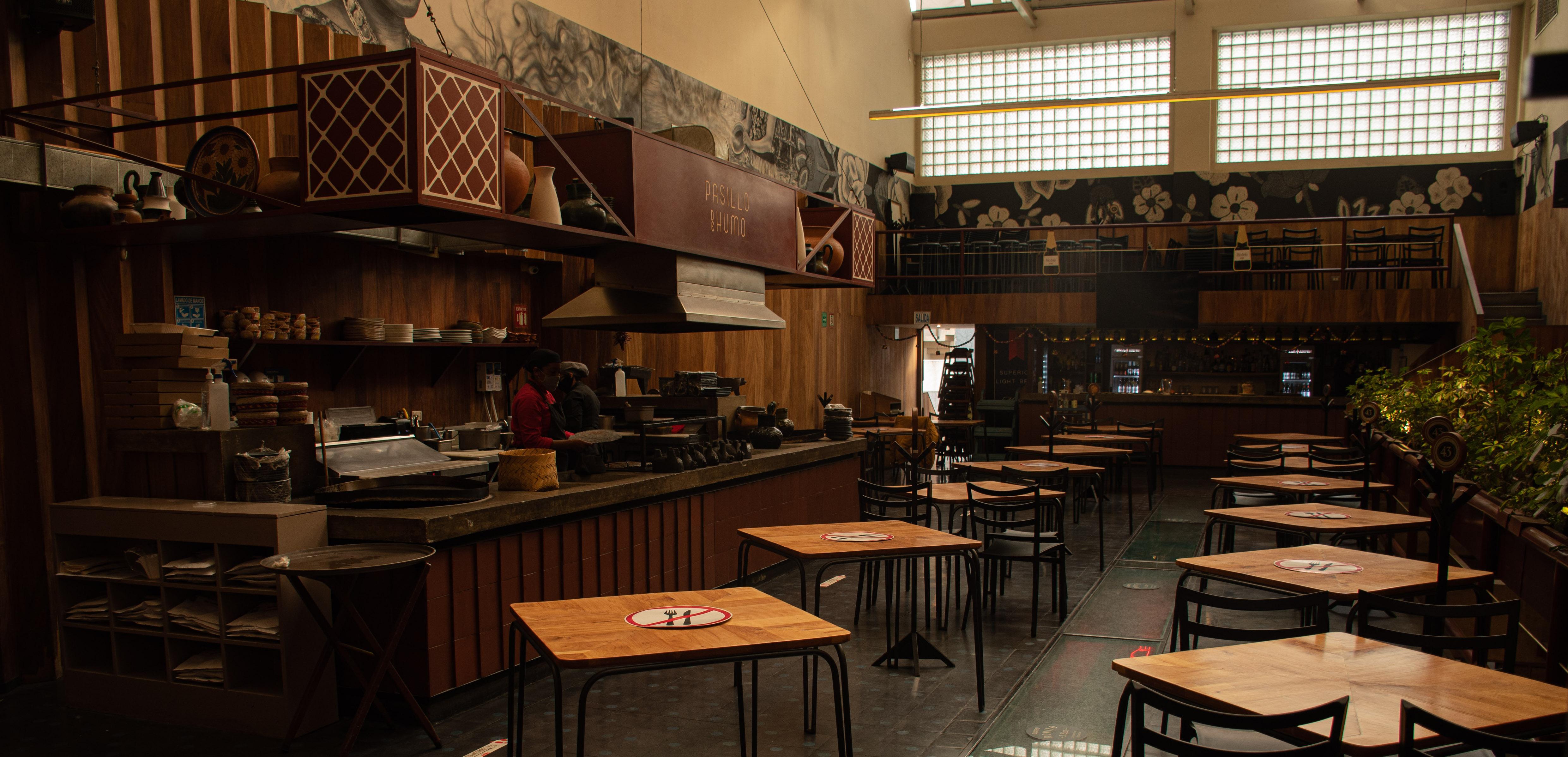 Protesta restaurantera: cacerolazos y reapertura sin permiso #AbrirOMorir