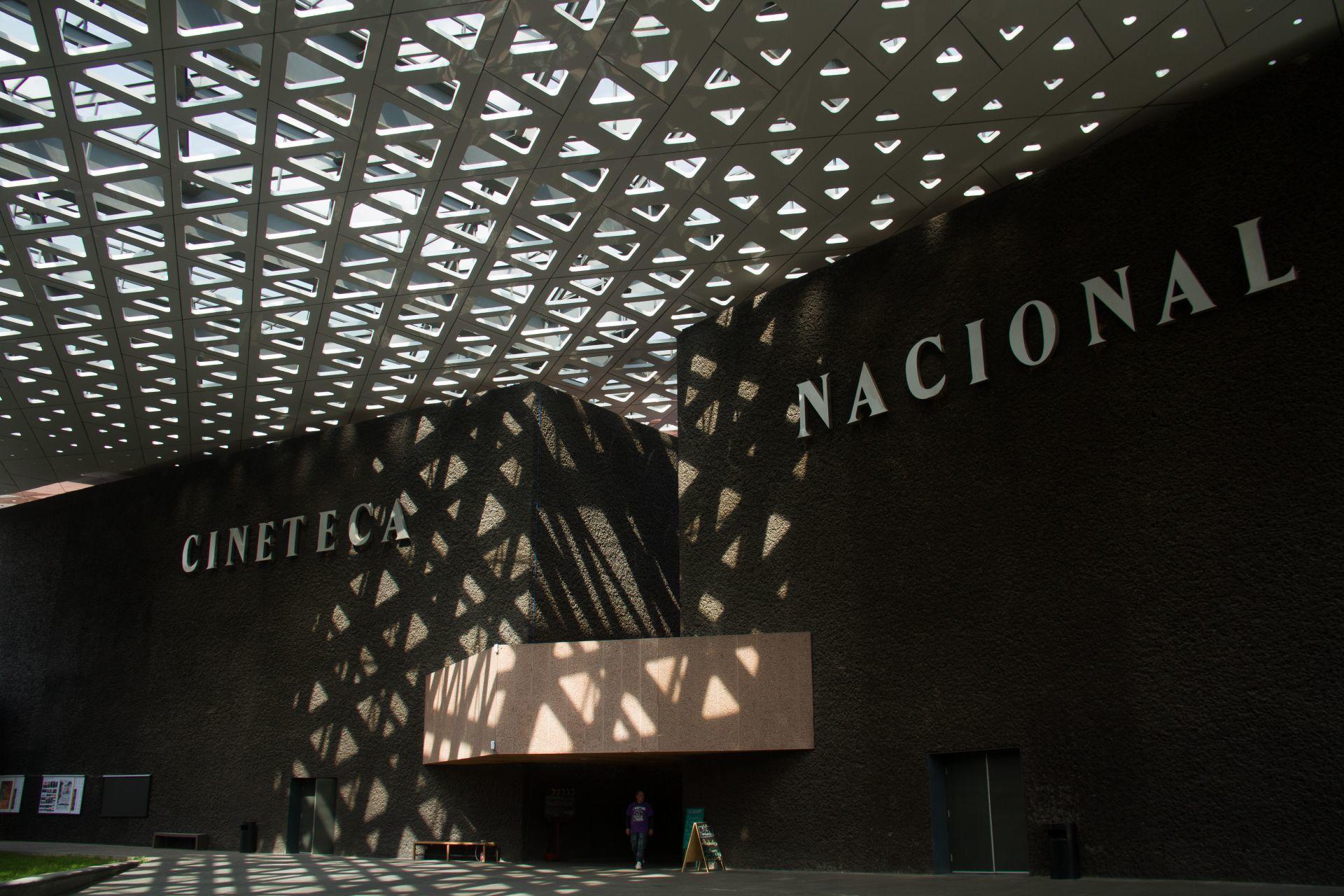 Cineteca regresa: abre foro al aire libre con cine mexicano