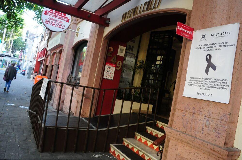 Pese a sanciones, restaurantes de CDMX abren en semáforo rojo