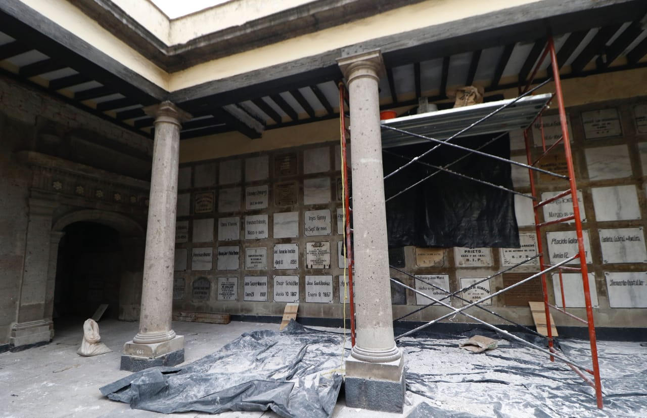 Restauran Museo Panteón San Fernando: tumbas misteriosas