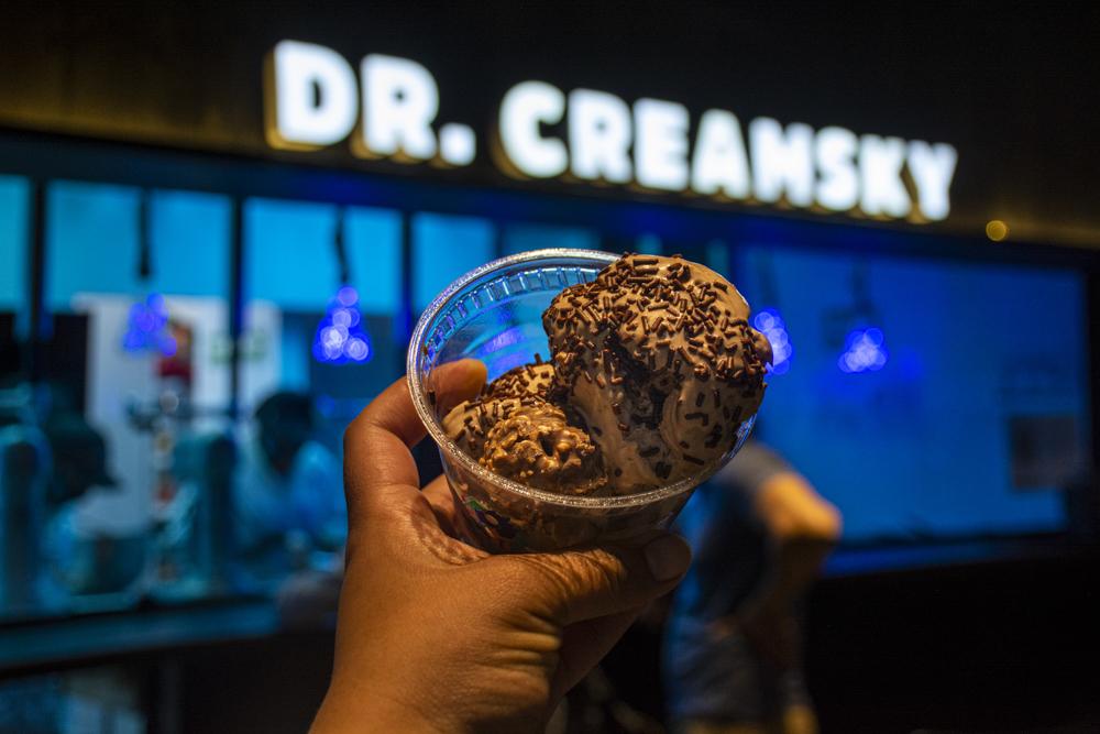 Dr. Creamsky: helados con piquete hechos con nitrógeno �