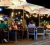 espacios-de-estacionamiento-convertidos-en-restaurantes-al-aire-libre-%e2%9c%a8