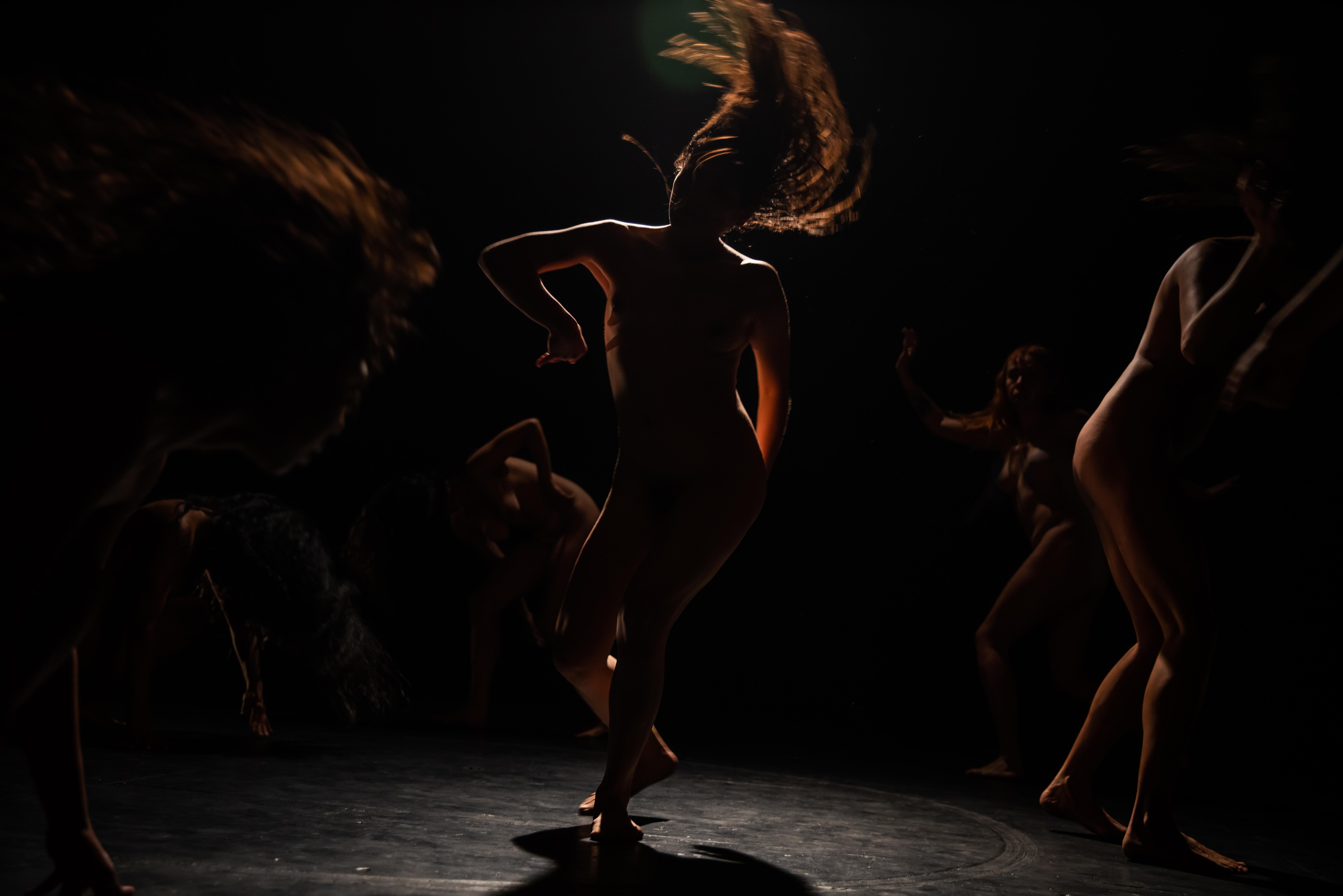 Arqueologías del placer, la danza y la vulva: madres del arte