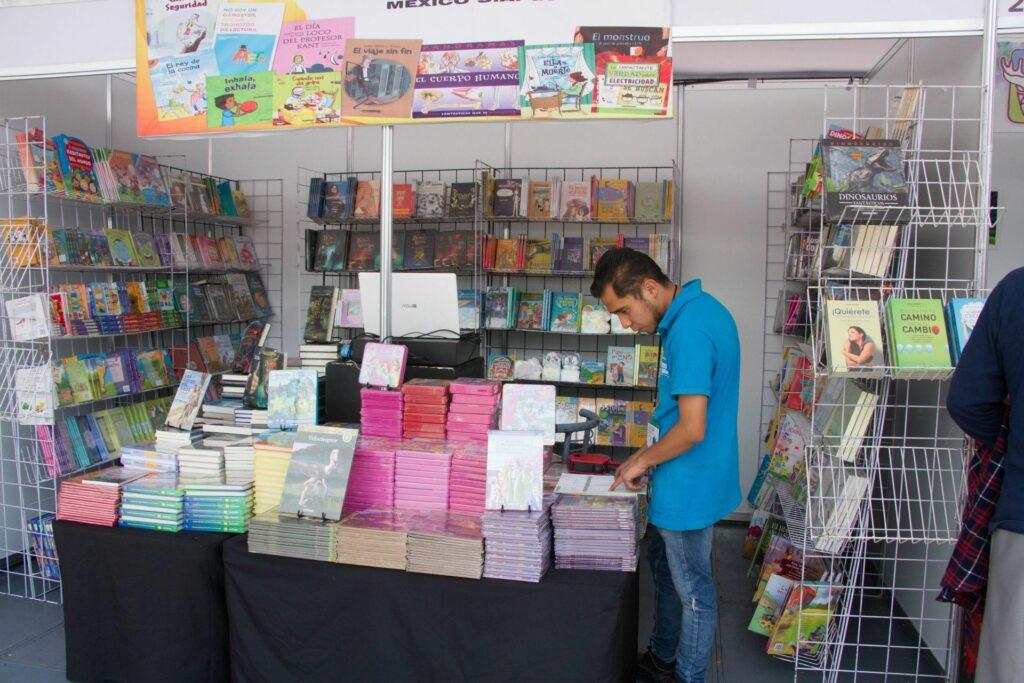 daran-libros-gratis-asi-sera-la-feria-de-libro-2021-en-el-zocalo